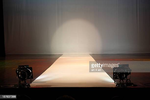 empty catewalk stage lights - catwalk stage stock pictures, royalty-free photos & images