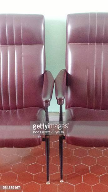 empty chairs at home - massa stock pictures, royalty-free photos & images