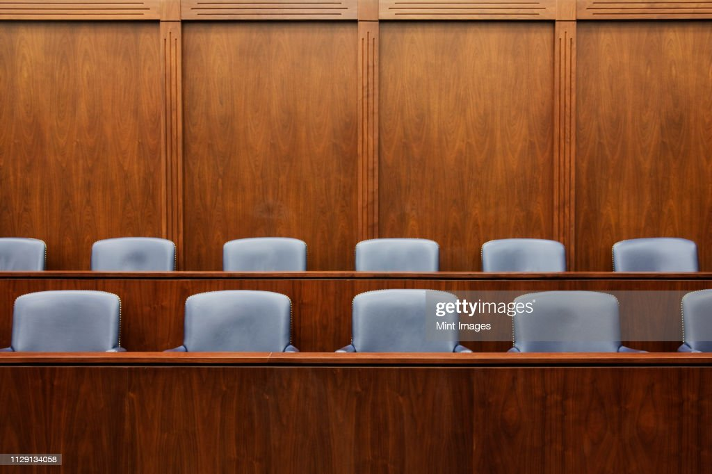 Empty chairs in jury box : Stock-Foto