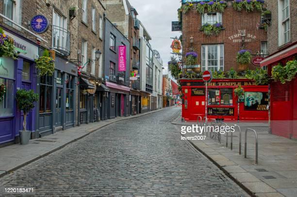 covid 19、ダブリン、アイルランドの間に空の街の通り。 - ダブリン州 ダブリン ストックフォトと画像