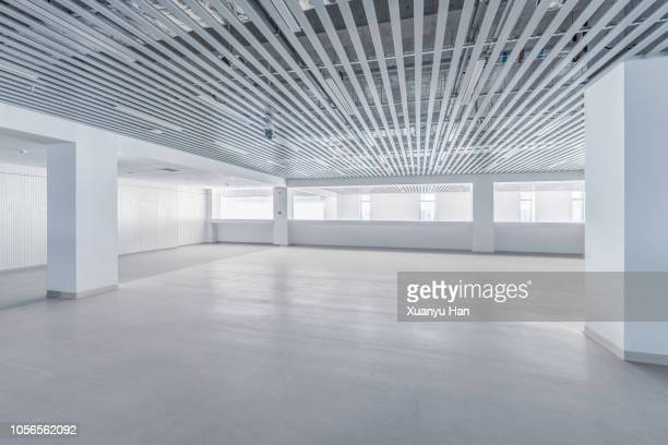empty contemporary interior background - copy space stockfoto's en -beelden