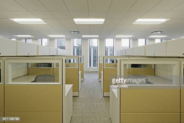 empty cubicle area - office cubicle stock pictures, royalty-free photos & images