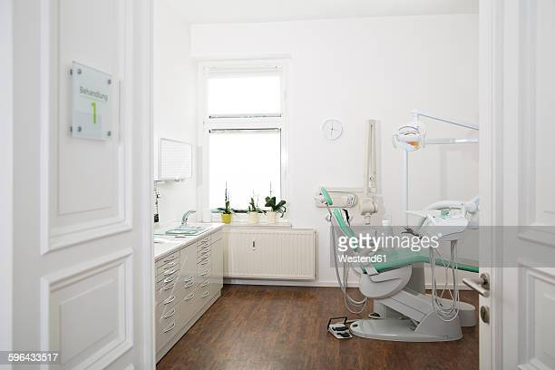 empty dental surgery - dental office stock pictures, royalty-free photos & images