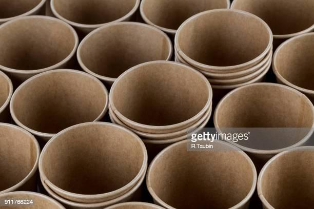 empty disposable paper coffee cups - estonia fotografías e imágenes de stock