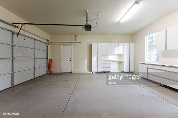 empty garage closed - garage stock pictures, royalty-free photos & images