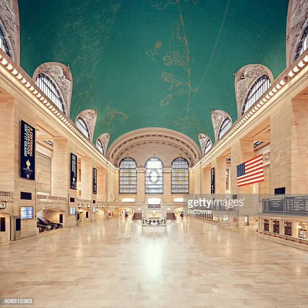 empty grand central terminal - grand central station stock photos and pictures