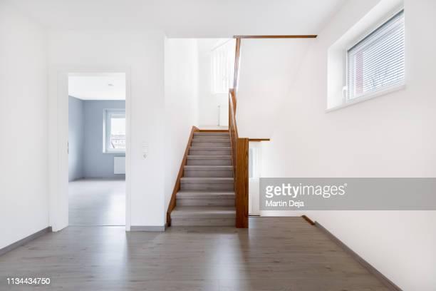 empty hall hdr - escada objeto manufaturado imagens e fotografias de stock