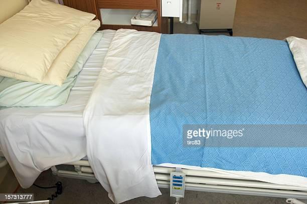 Vacío Cama de hospital lado