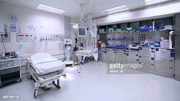 empty hospital ward - hospital ward stock pictures, royalty-free photos & images
