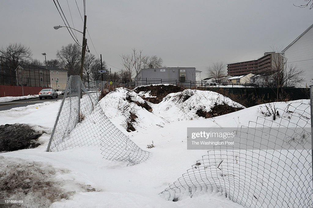 NEWARK, NJ - FEBRUARY 7, 2011  Empty HUD property at 205