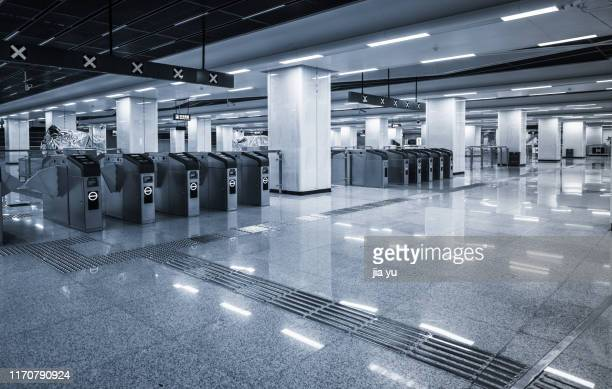empty interior subway station - wuhan stock pictures, royalty-free photos & images