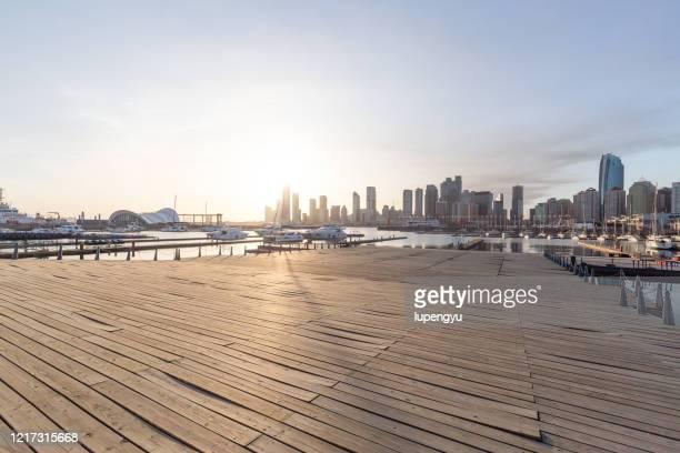 empty jetty in qingdao olympic sailing center - 桟橋 ストックフォトと画像