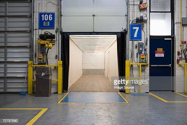 empty loading bay - loading dock stock pictures, royalty-free photos & images