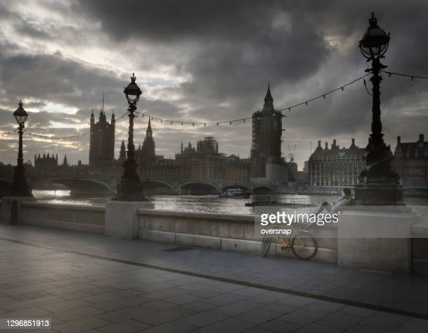 empty london - london breed stock pictures, royalty-free photos & images