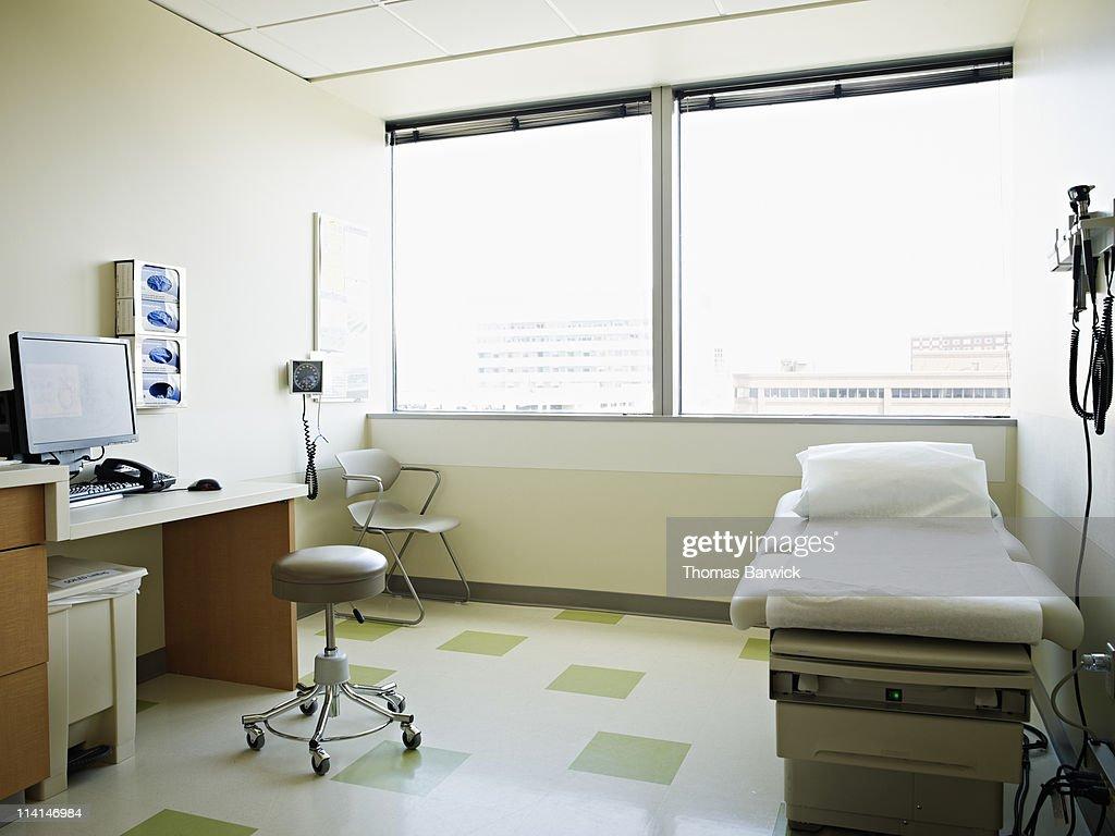 Empty medical exam room : Stock Photo