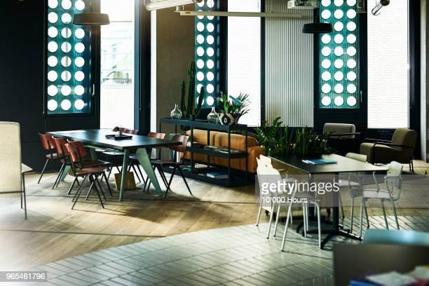 empty modern office - 不在 ストックフォトと画像