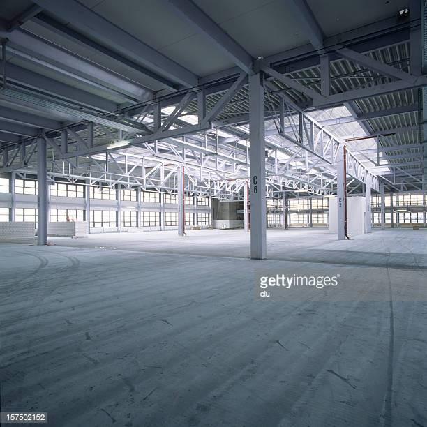 Leere neue Fabrik hall
