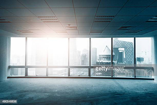 empty office - erker stockfoto's en -beelden