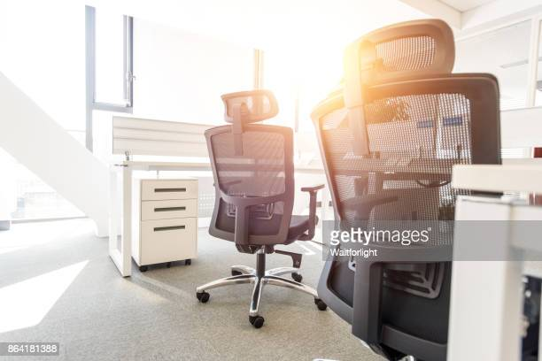 empty office - bureau ameublement photos et images de collection