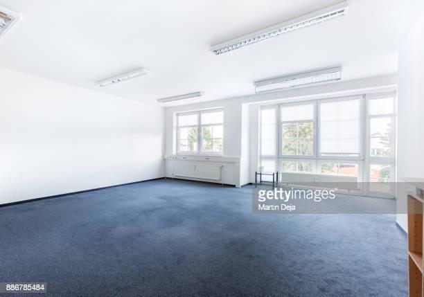 empty office room hdr - カーペット ストックフォトと画像
