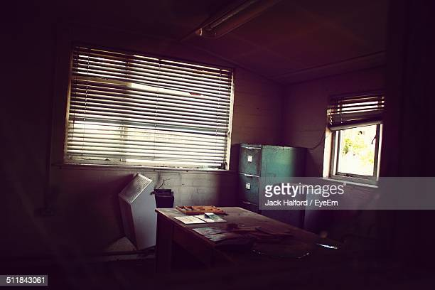 empty office room with window blinds - run down stock pictures, royalty-free photos & images