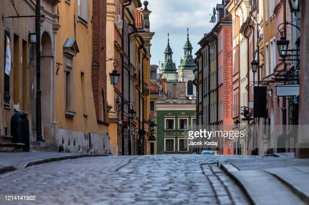empty old town in warsaw - poland stock pictures, royalty-free photos & images