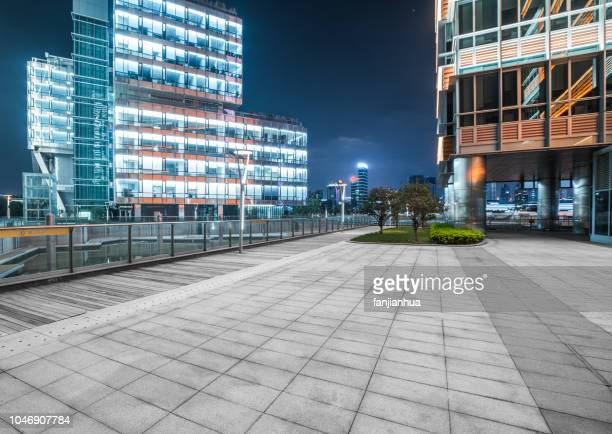 empty parking lot - empty lot night stock pictures, royalty-free photos & images