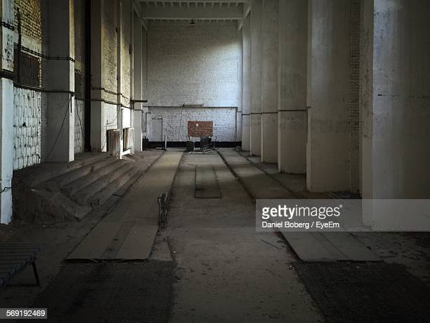 empty passage of kraft durch freude resort - freude stock pictures, royalty-free photos & images