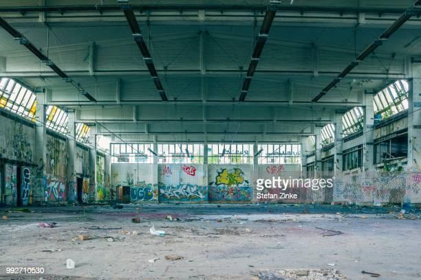 empty - vandalismus stock-fotos und bilder