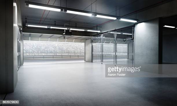 empty pit garage - サーキット ストックフォトと画像