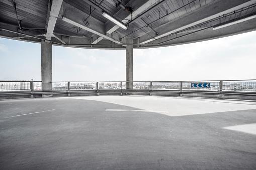 Empty Pit Garage - gettyimageskorea