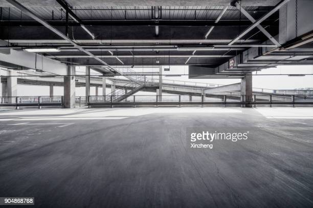 empty pit garage - parking garage stock pictures, royalty-free photos & images