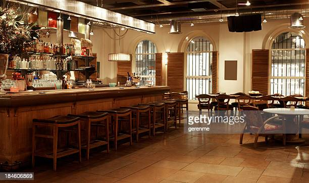 empty restaurant - empty restaurant stock pictures, royalty-free photos & images