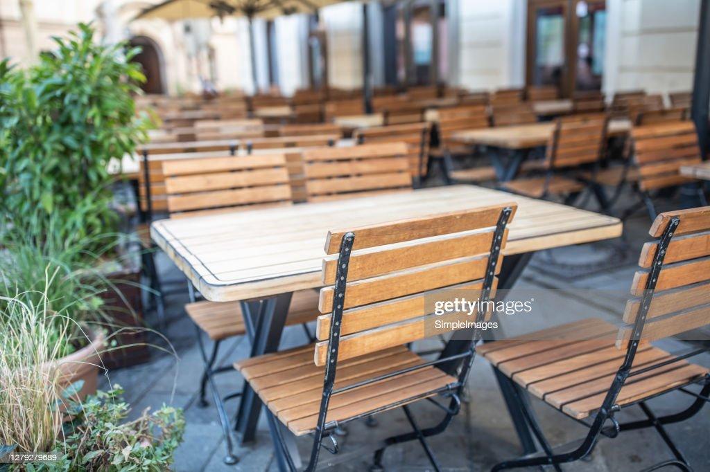 Empty restaurant terrace during quarantine against coronavirus - Covid-19 : Stockfoto