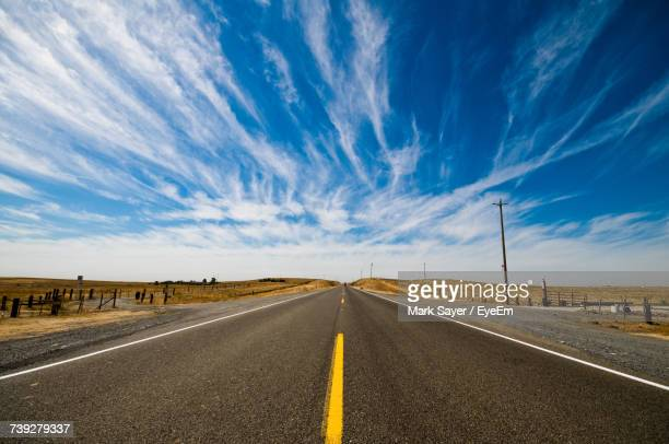 empty road against sky - empty road stock pictures, royalty-free photos & images