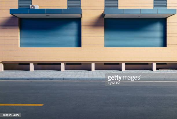 empty road in the street - high street stock pictures, royalty-free photos & images