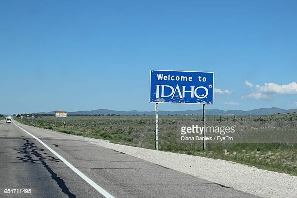 empty road leading towards mountain - idaho stock pictures, royalty-free photos & images