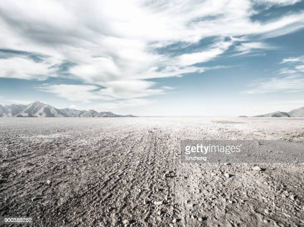 empty road - dirt track stock pictures, royalty-free photos & images