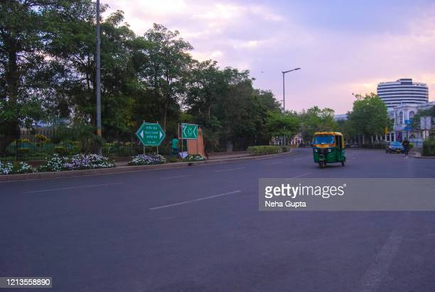 empty road - rajiv chowk, new delhi, india - corona landmarks stock pictures, royalty-free photos & images