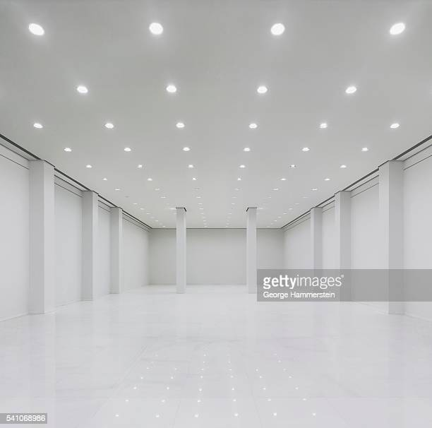 empty room - ceiling stock pictures, royalty-free photos & images