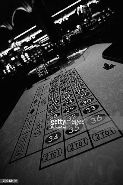 empty roulette table - gambling table stock pictures, royalty-free photos & images