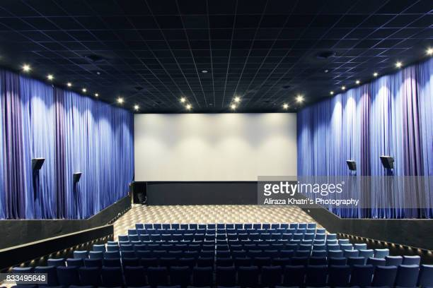 empty screening theater - film screening stock pictures, royalty-free photos & images