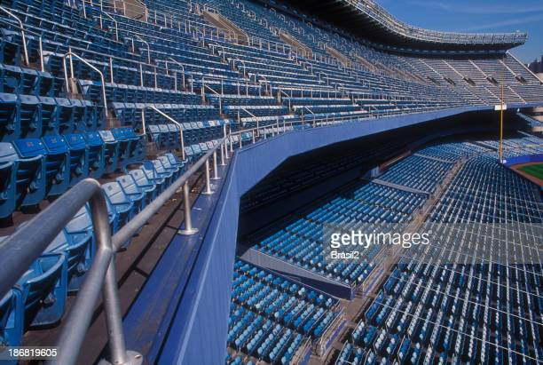 Leere Sitze in einer stadium