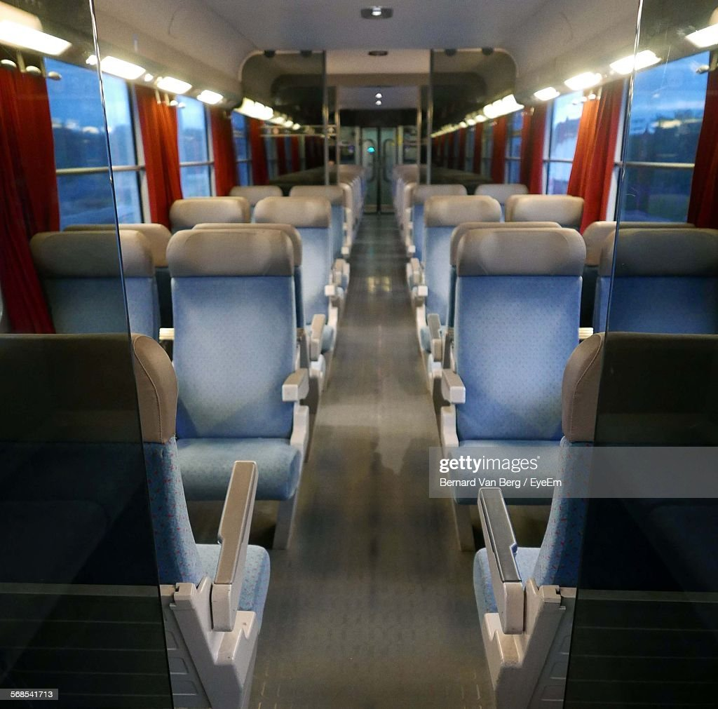 Empty Seats In Train : Stockfoto