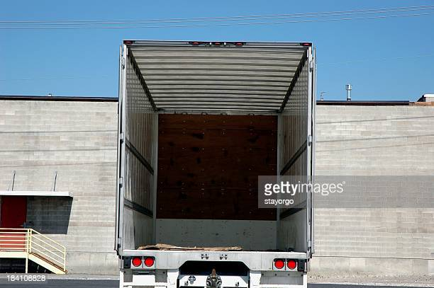 empty semi - loading dock stock pictures, royalty-free photos & images