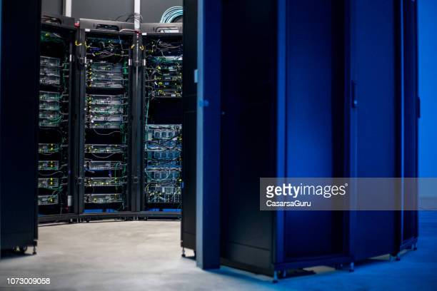 empty server room - server room stock pictures, royalty-free photos & images