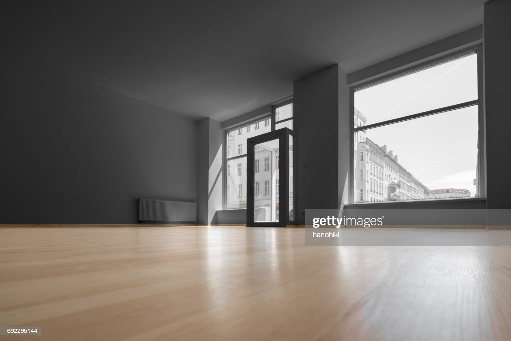 empty shop - vacant room with shopping window : Stock Photo