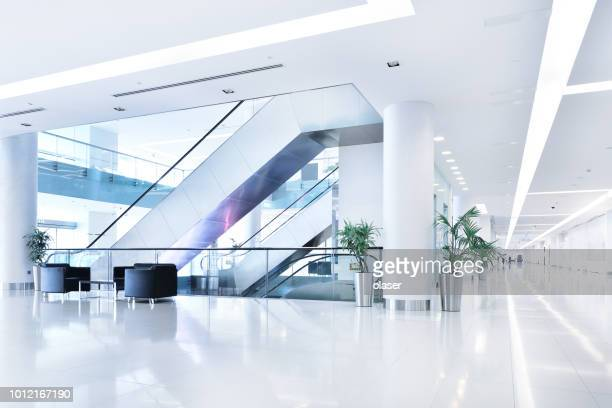 empty shopping centre in sunset, dubai - empty office stock pictures, royalty-free photos & images