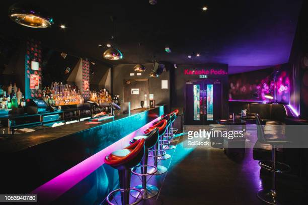 empty shot of nightclub - pub stock pictures, royalty-free photos & images