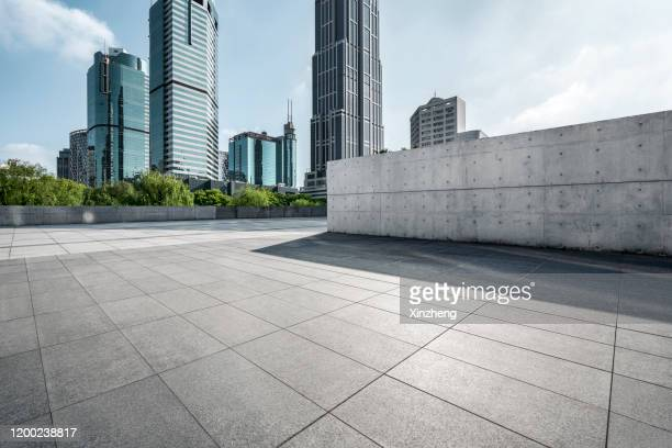 empty square by modern architectures - square stock pictures, royalty-free photos & images